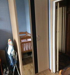 Спальный гарнитур(кровать,комод,шкаф,тумбы)