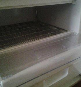 Холодильник Snaige
