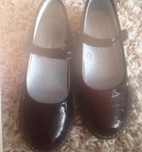 Туфли школьные 34 р