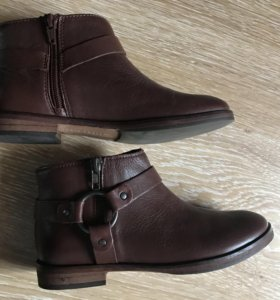 Новые кожаные детские ботинки Zara 34