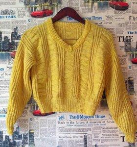 Укороченый свитер шерсть