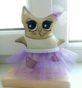 Кофейная кошка-балерина