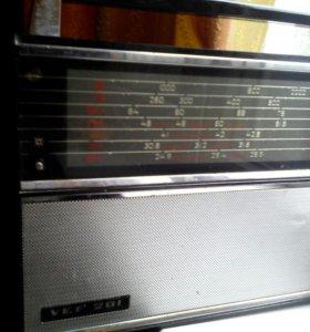 Радиоприемник VEF 201.
