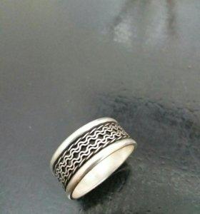 кольцо мужской из серебра.