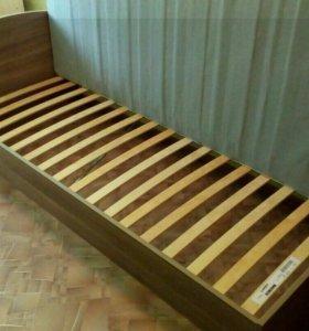 Кровать односпальная IKEA