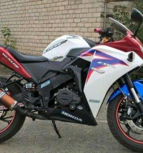 Продам копию Honda CBR 250R