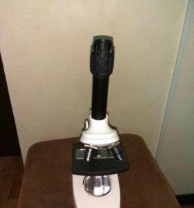 Микроскоп новый в коробке