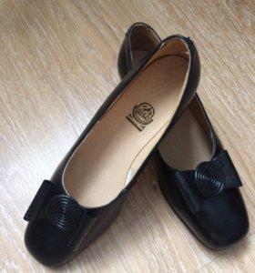 Новые винтажные туфли