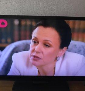 телевизор ЖК марки Philips