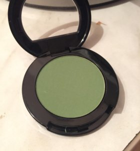 Зеленые тени для век