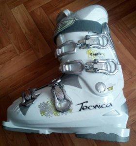 Женские горнолыжные ботинки Tecnica Esprit rx