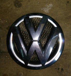 Эмблема VW Touran