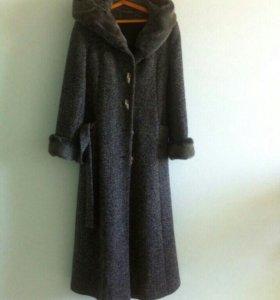 Пальто зимнее, удлиненное