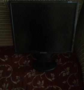 Монитор Samsung Sync Master 943в