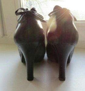Туфли женские черные, размер 38