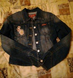 Курточка джинс, размет 42, состояние новой вещи