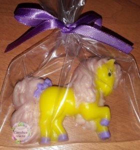 Милая пони из мыла