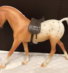Лошадь Breyer