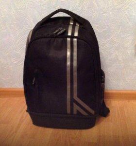 Рюкзак для ноутбука 15 дюймов в отличном состоянии