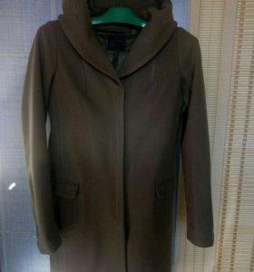 Пальто фирменное JNBY