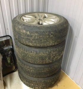 Комплект летних шин 235/60 R18 и оригинальных диск