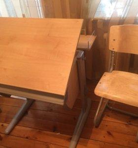 Стол и стул для черчения и рисования