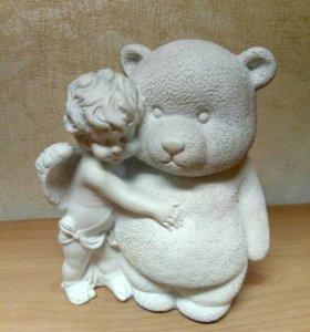 Статуэтка, мальчик с медведем