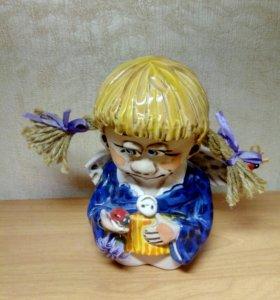 Статуэтка, девочка- ангел с косичками