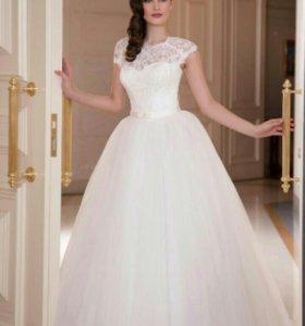 Свадебные платья.новые