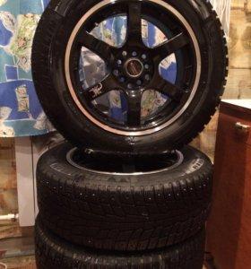 Зимние колёса с литьем 215/60R16