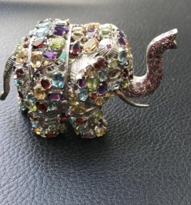 Слоник из серебра с полудрагоценными камнями