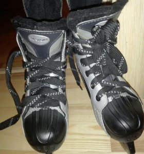 Коньки хоккейные Extreme Velocity новые