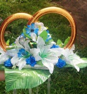 Красивенькие свадебные кольца главную машину