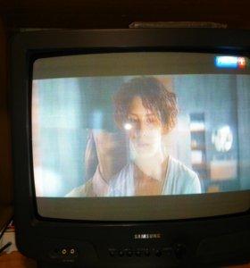 Цветной телевизор с пультом б/у.