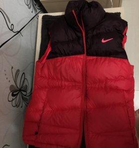 Жилетка зимняя Nike