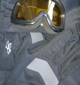 Очки и перчатки для лыжников