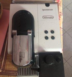 Капсульная кофе машина Nespresso Delonghi