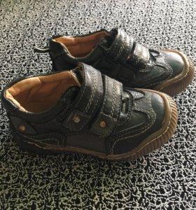 Обувь на мальчика 22-23 размер