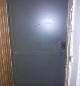 Дверь металическая один замок