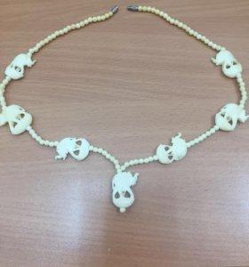 Ожерелье из слоновой кости