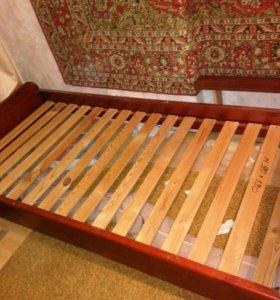 Кровать - массив сосны.