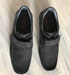 Ботинки на мальчика размер 35