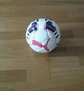 Продам мини-футбольный мяч.