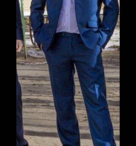 Мужской костюм,был одет 1 раз!