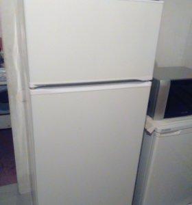 Холодильник-двухкамерный.(160*60*60)