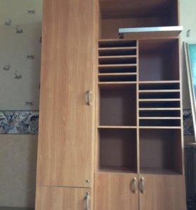 Шкаф и стол для офиса и для дома