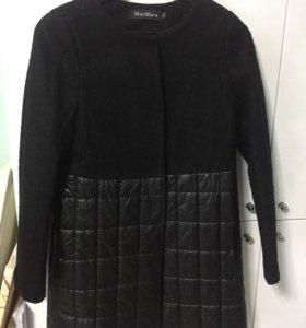 Пальто женское размер S подойдёт на 42-44 .