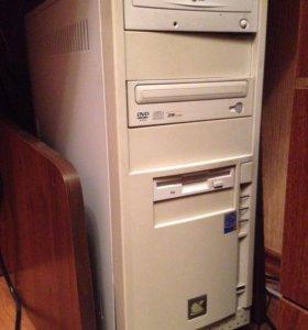 Процессор, монитор и клавиатура с мышкой