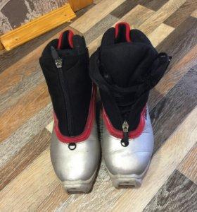 Лыжи пластик с ботинками