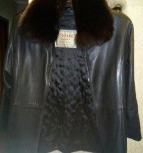 Коженная женская куртка